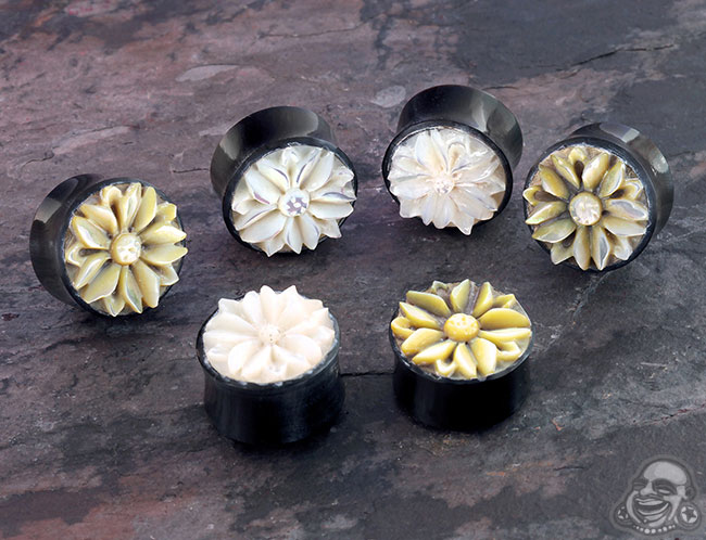 Horn plugs with shell flower inlays (pair)(mismatc