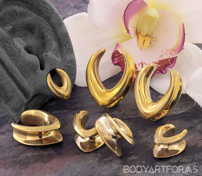 Brass Teardrop Saddle Design