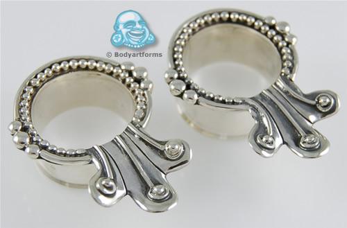 Silver Fleur Eyelets