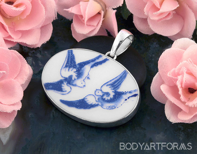 Ceramic Willow Lovebirds Pendant