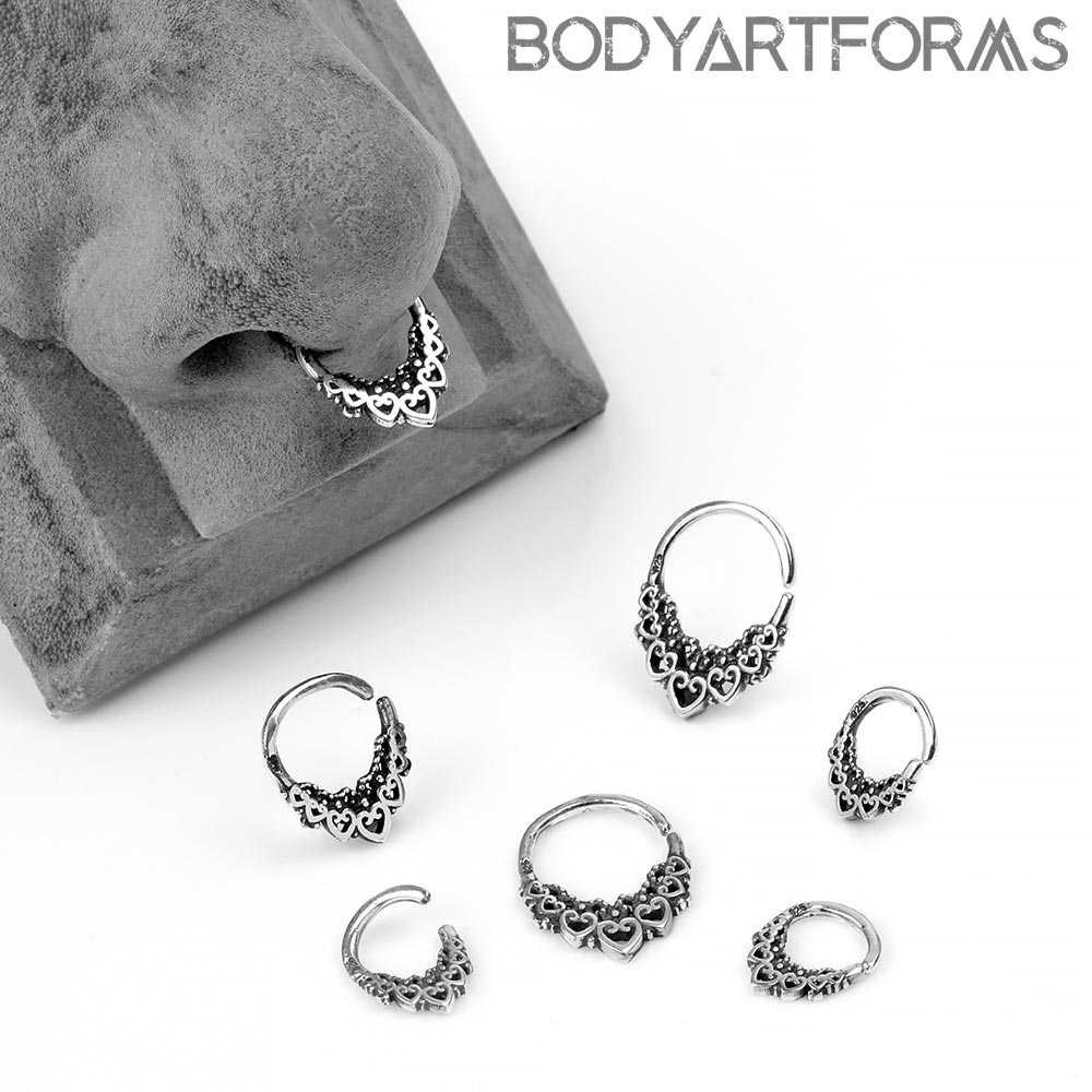 Silver Queen of Hearts Seamless Ring